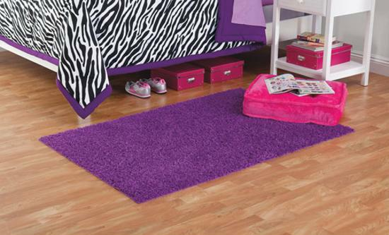 kusový koberec fialový